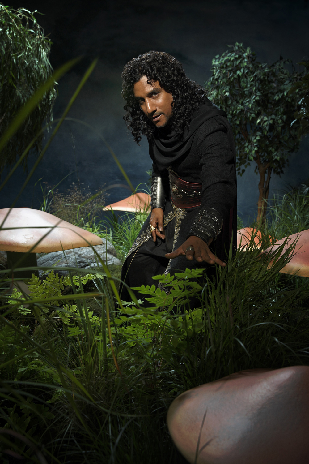 http://www.scifistream.com/wp-content/gallery/once-wonderland-cast-photos/cast_season1_jafar.jpg