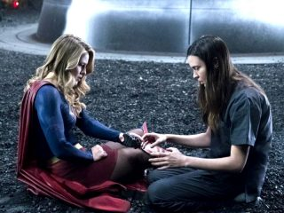 Supergirl (323) - Battles Lost and Won